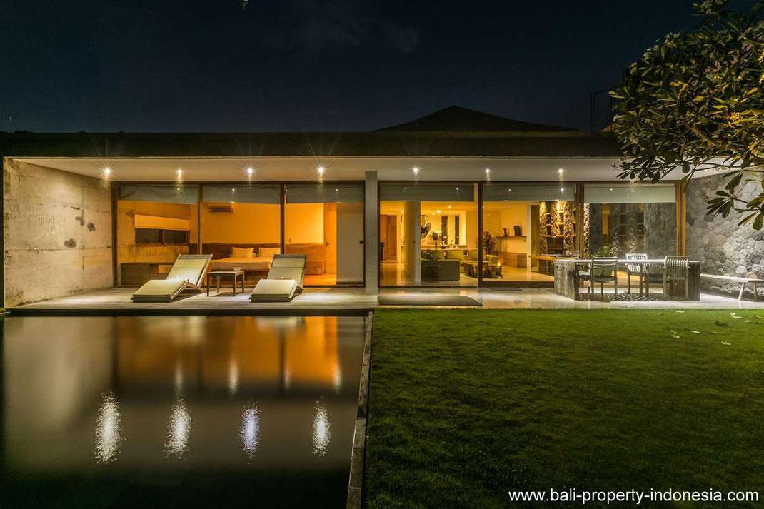 Luxurious villa for sale nearby Balangan beach
