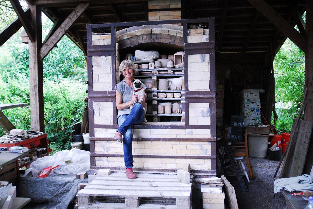 Holzofen Mops Keramik Aschenaflug Glut Hitze Feuerung