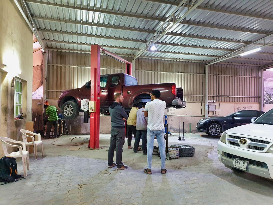 Professionelle Nissan-Garage