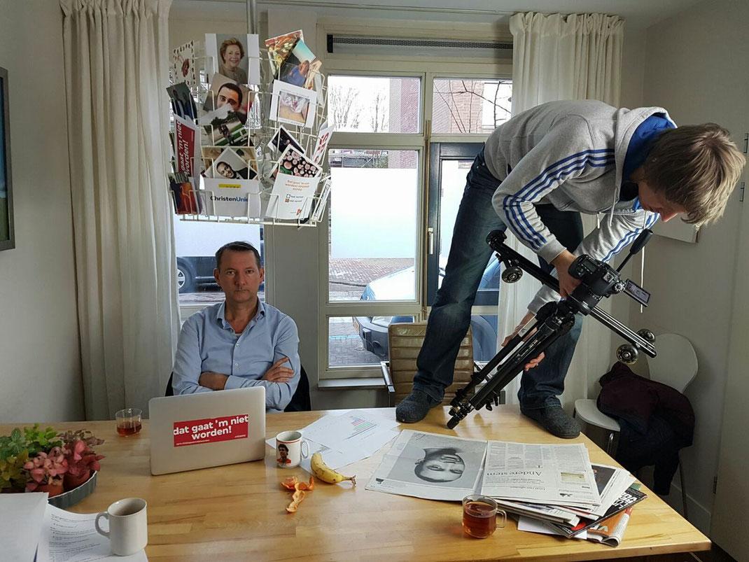 Hugo Hoes met Luc Wermers. Hugo denkt na... (foto: Anne de Vroomen)