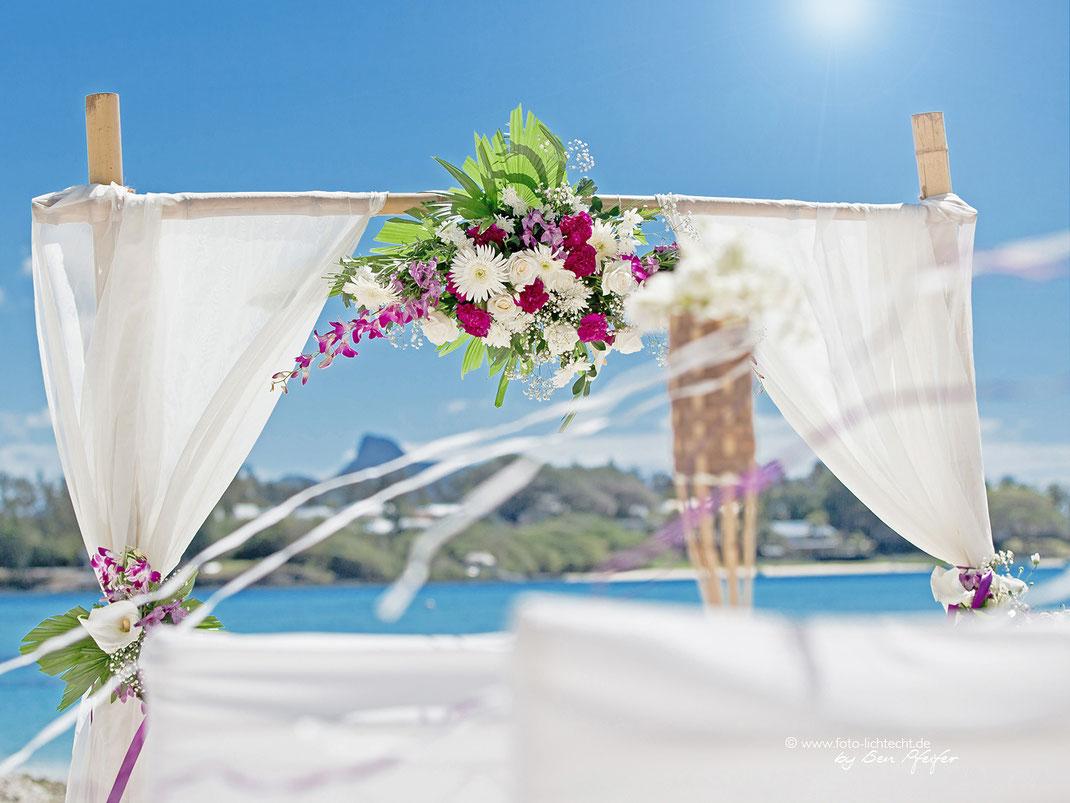 Hochzeit Mauritius, Hochzeitsfotograf, mauritius, heiraten, beachwedding, Hochzeitsgäste, baden, Sonnenuntergang, Mauritius hochzeitius