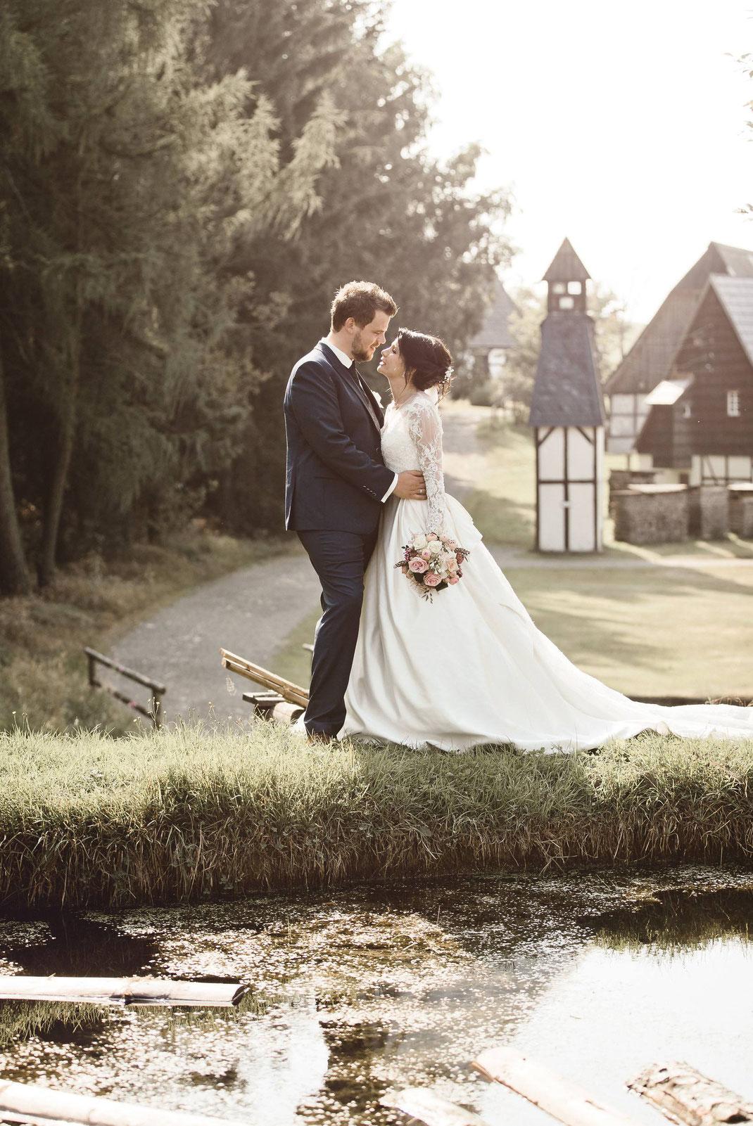 Hochzeit in Seiffen im Erzgebirge - Als Hochzeitsfotograf unterwegs in Seiffen - Trauung in der weltbekannten Seiffener Kirche, Fotoshooting im Freilichtmuseum Seiffen