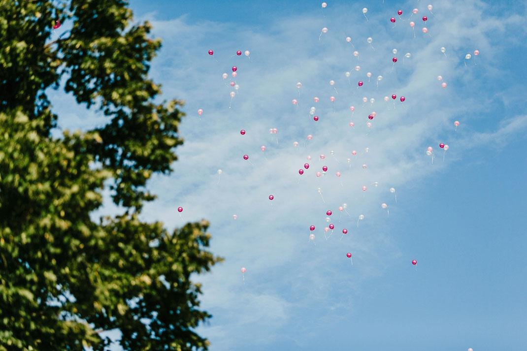 luftballons zur hochzeit im erzgebirge