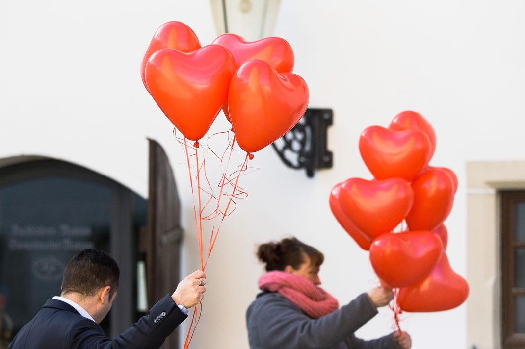 Luftballons hochzeit rot