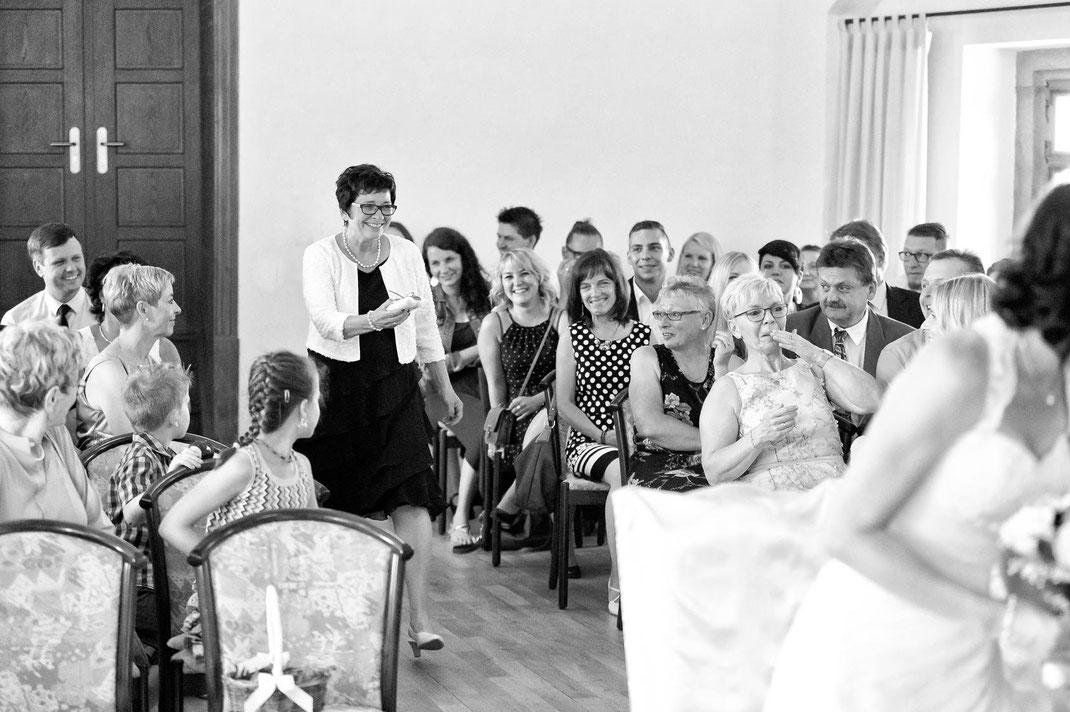wenn man zur Trauung die Eheringe vergessen hat - ein lustiger moment auf burg scharfesntein