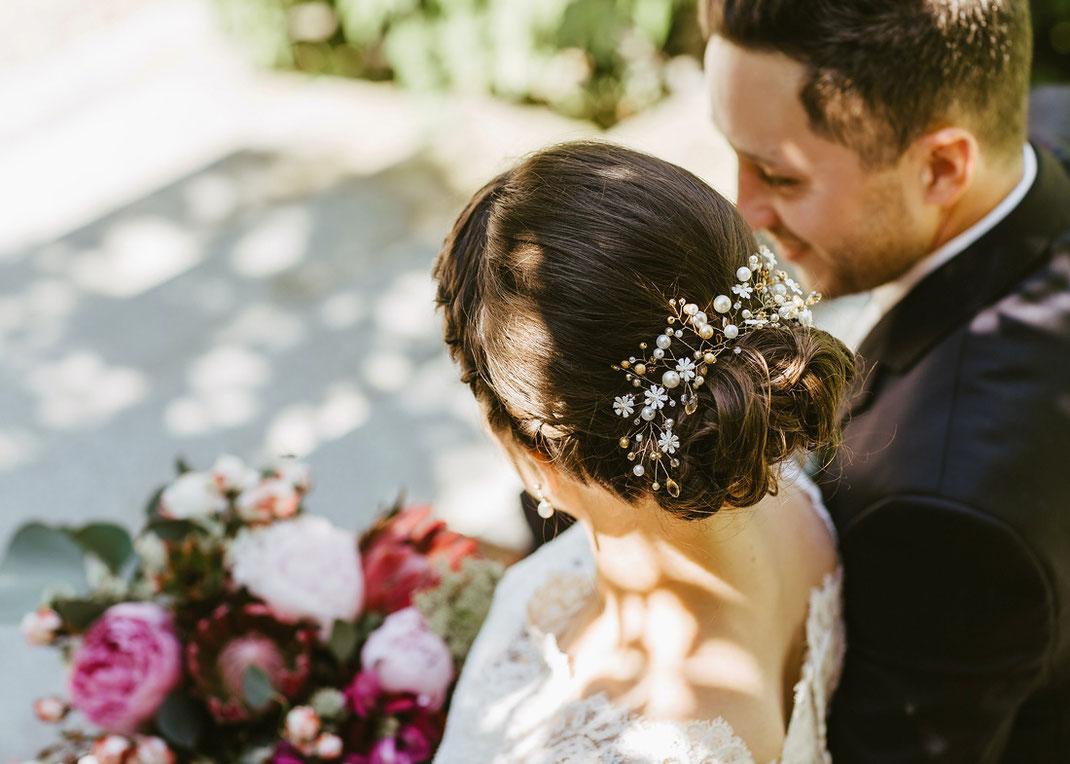 Brautfrisur, lockere Hochsteckfrisur Hochzeit