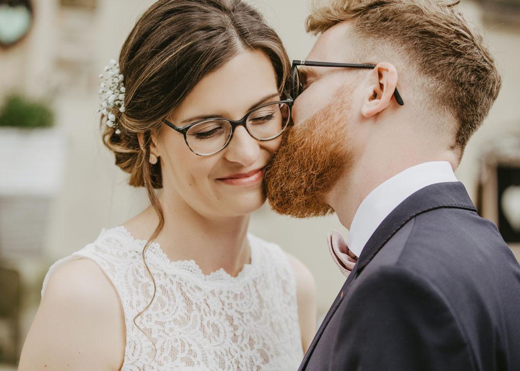 Brautpaar an der villa in flöha