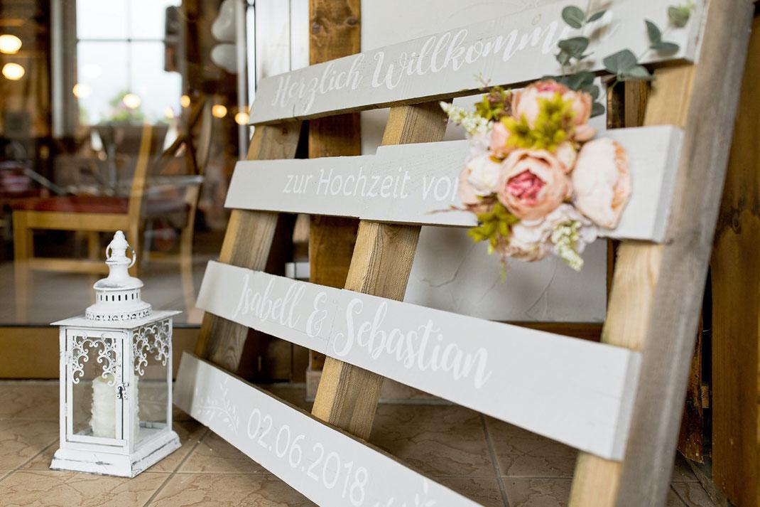 Palette Schrift Hochzeit, Palette mit Schriftzug zur hochzeit
