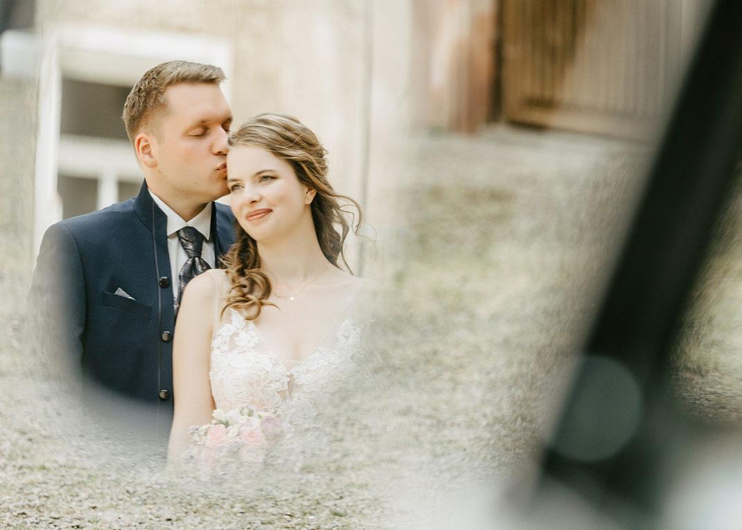 Hochzeitsfoto im Spiegel VW
