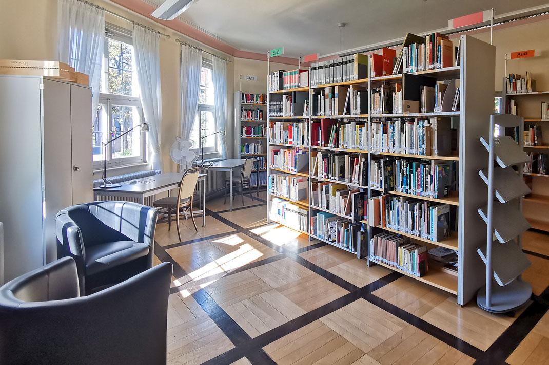 SAF Kirchheim - Die Bibliothek im Schloss
