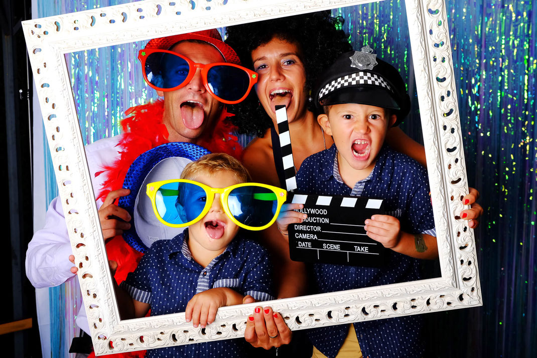 PhotoBooth-famiglia-festa-fotografo-matrimonio