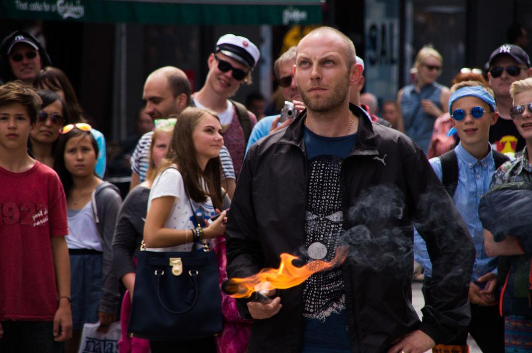 Kopenhagens Shoppingmeilen - ein Mekka für Straßenkünstler
