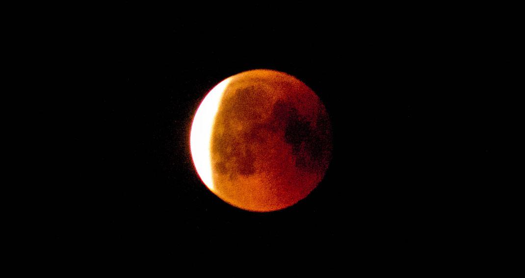 Mondfinsternis am 27. Juli 2018  vom Stadtrand Hannovers aus aufgenommen