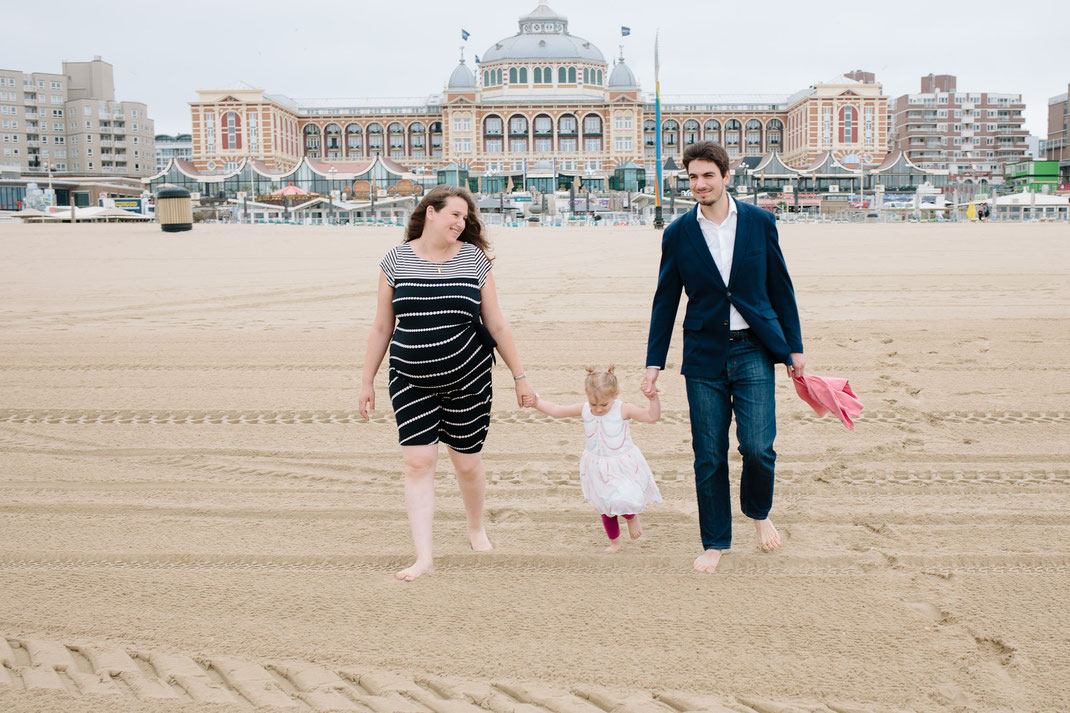 Scheveningen maternity shoot