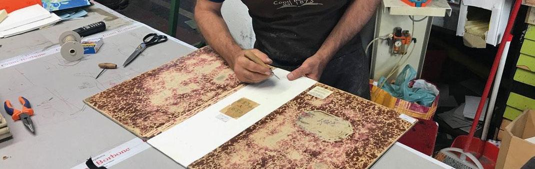 Atelier del Poldi Pezzoli - Conti Borbone - Cucitura cataloghi di stoffa