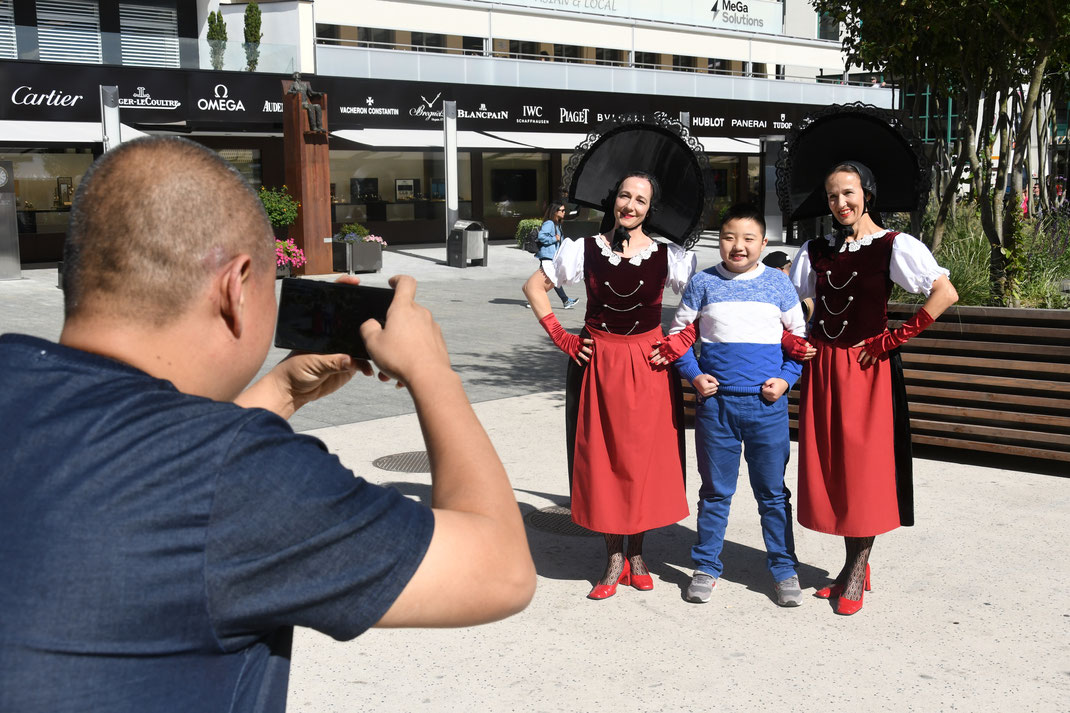 Duo Zwietracht Kabarett Liechtenstein zoom in kontakt