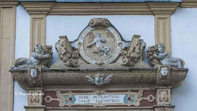 schloss neuhaus gaesteportal nordost treppenturm lucretia