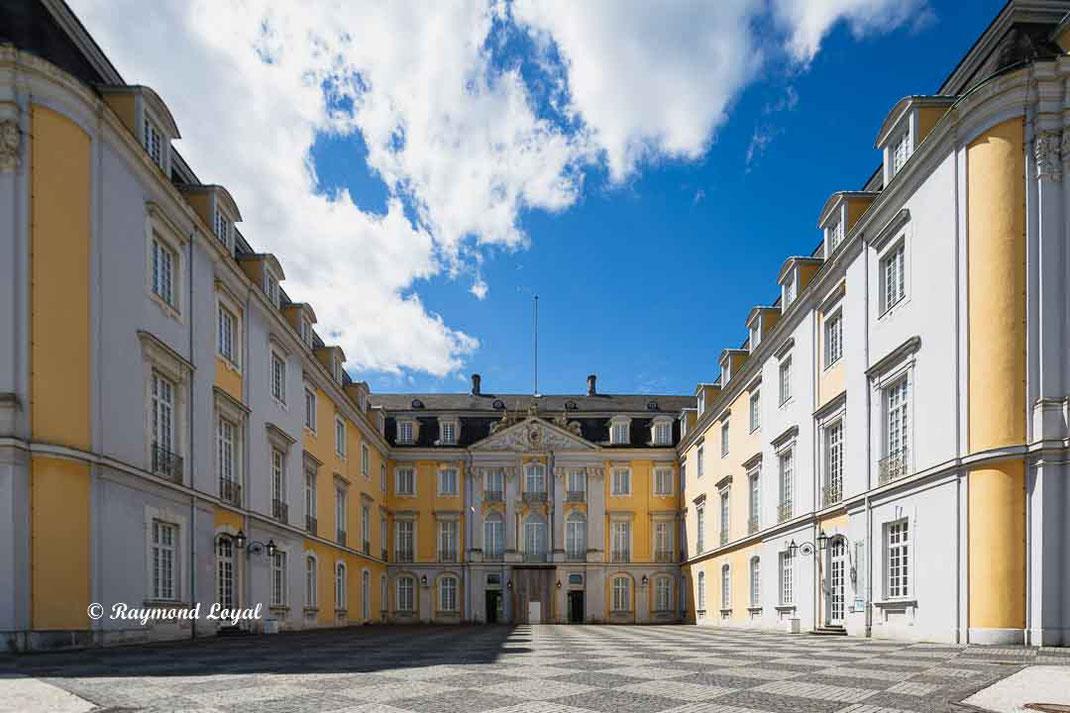 augustusburg palace forecourt