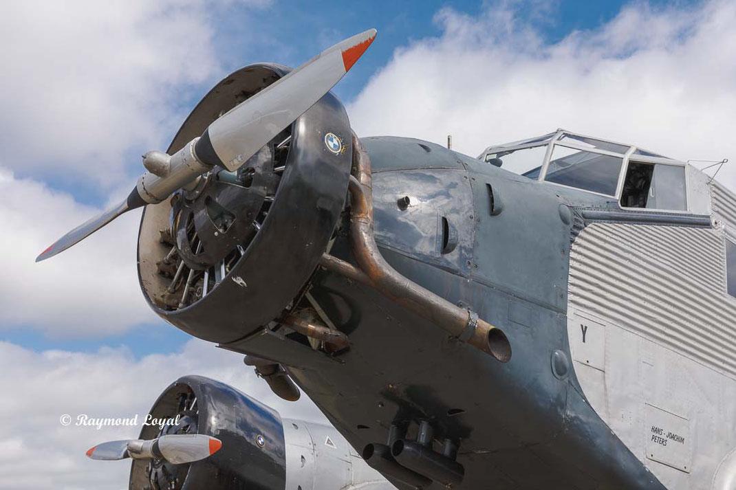 vintage junkers ju 52 aeroplane