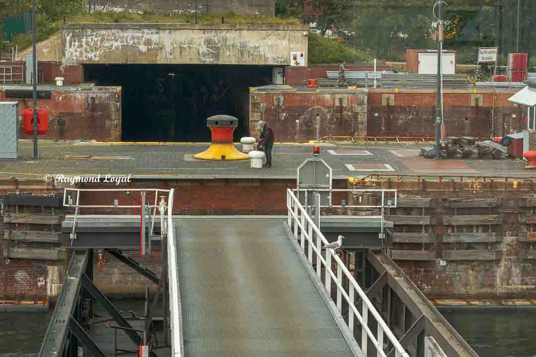 kiel canal holtenau locks