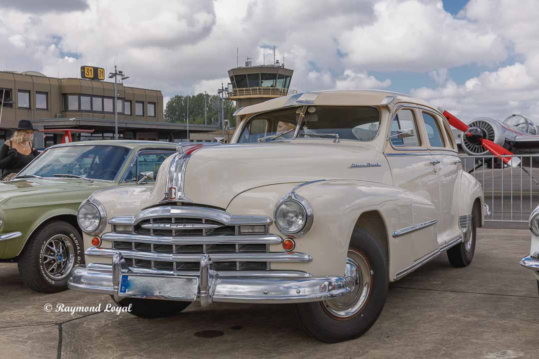 vintage car pontiac silver streak