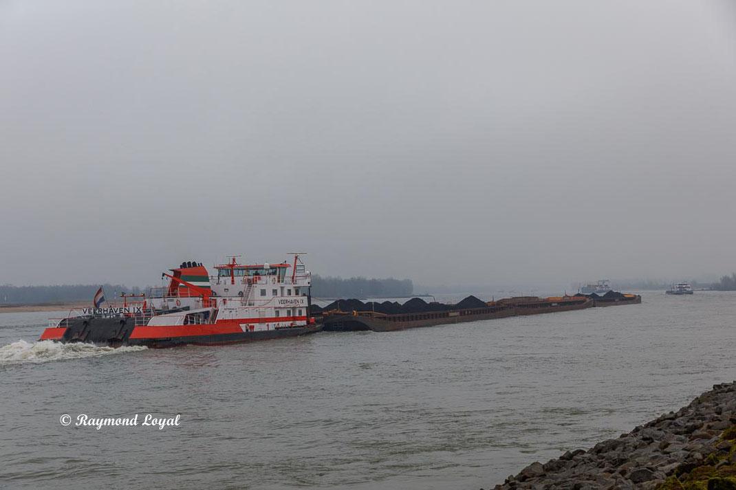 schubschiff binnenschiff rhein fluss landschaft