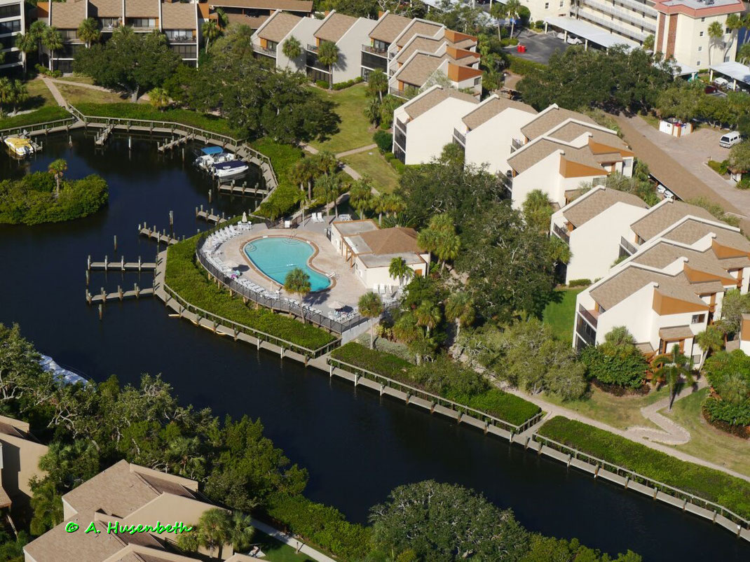 Siesta Key Vacation Rental - just Steps from famous Siesta Beach - Florida Suncoast Helicopter Scenic Flights