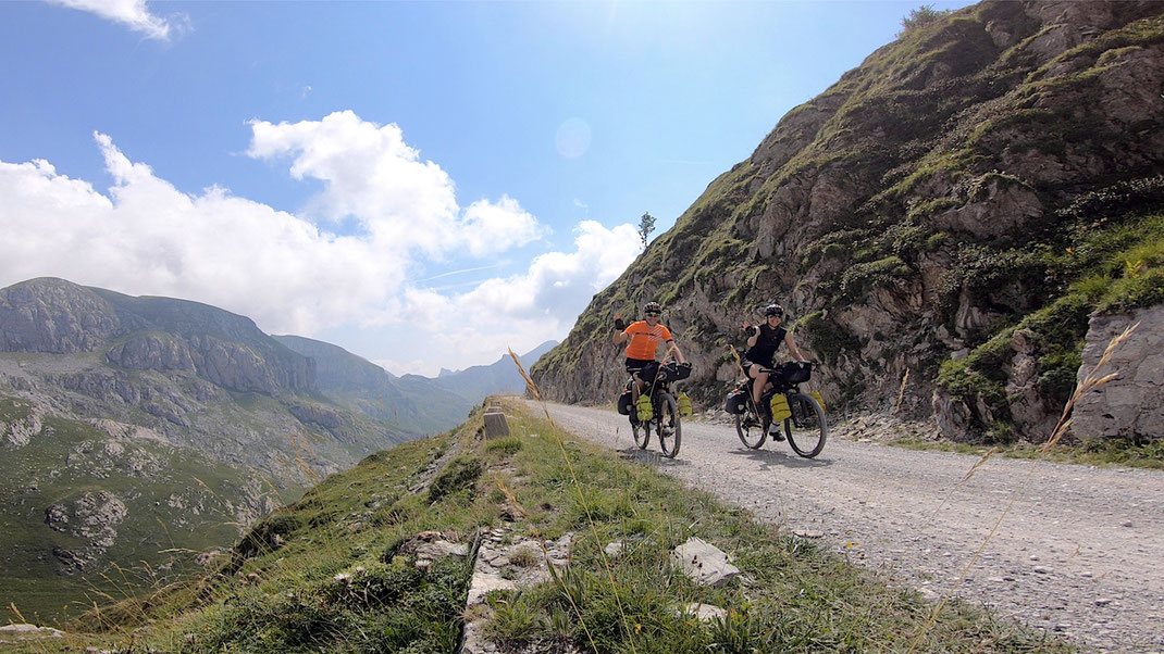 unterwegs auf Bikepackingtour in den Bergen