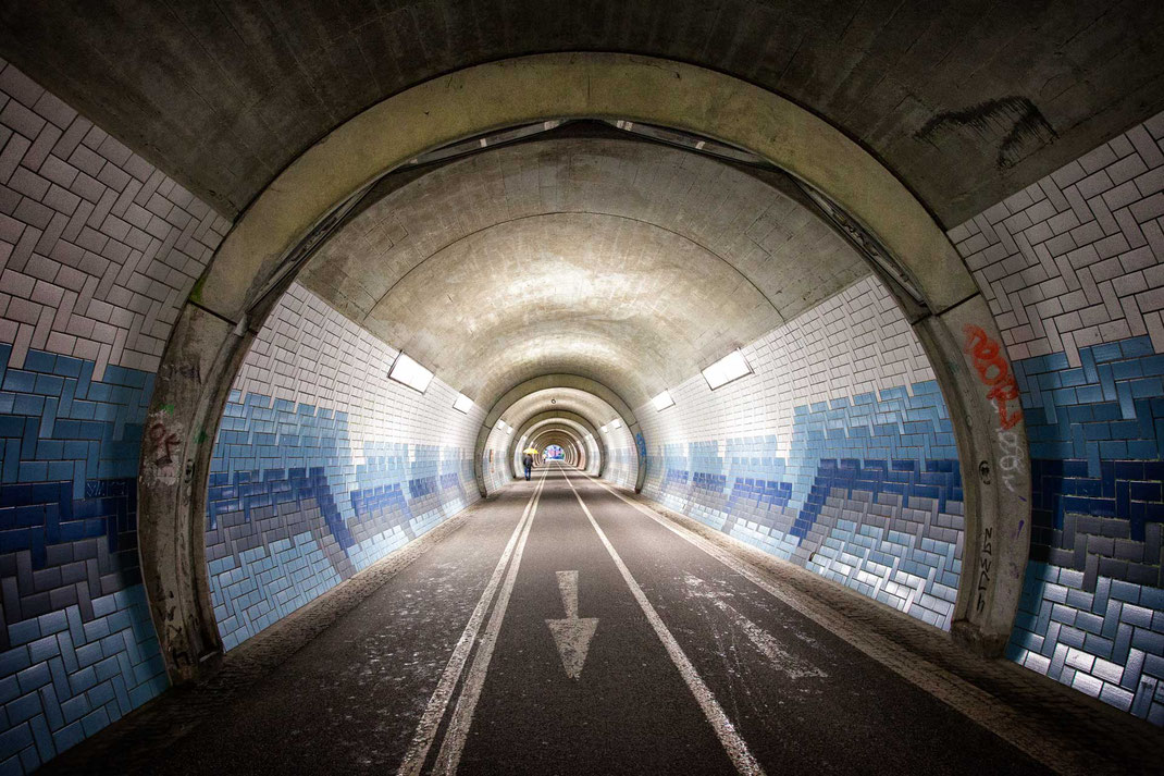 Fahrradtunnel durch den Schlossberg