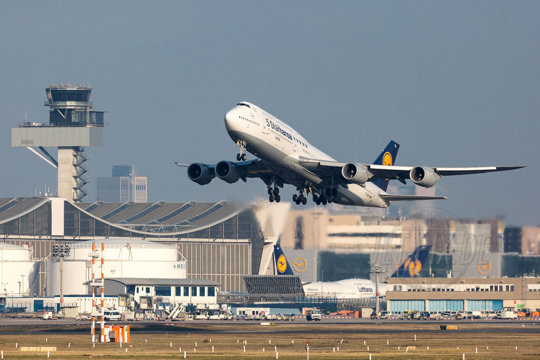 D-ABYM Lufthansa Boeing 747-830 2017 12 07 EDDF Frankfurt