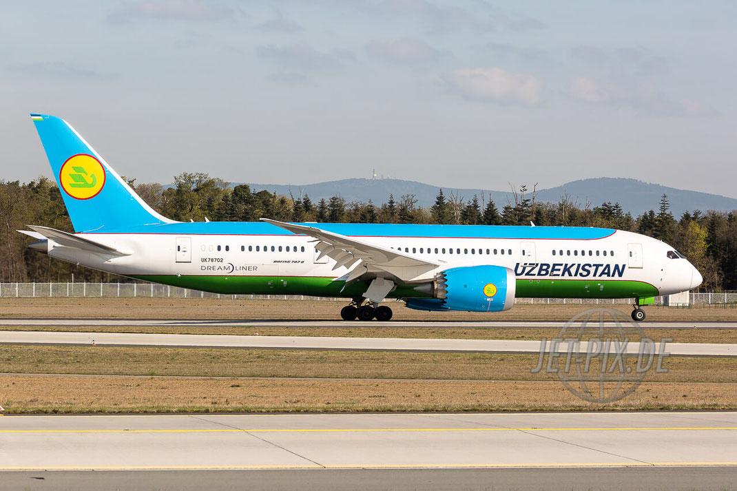UK78702 Uzbekistan Airways Boeing 787-8 Dreamliner Frankfurter Flughafen (EDDF) Nordwestbahn Spotter Spotting bestes Wetter Spotterpoint Spotterguide Besucherterrasse