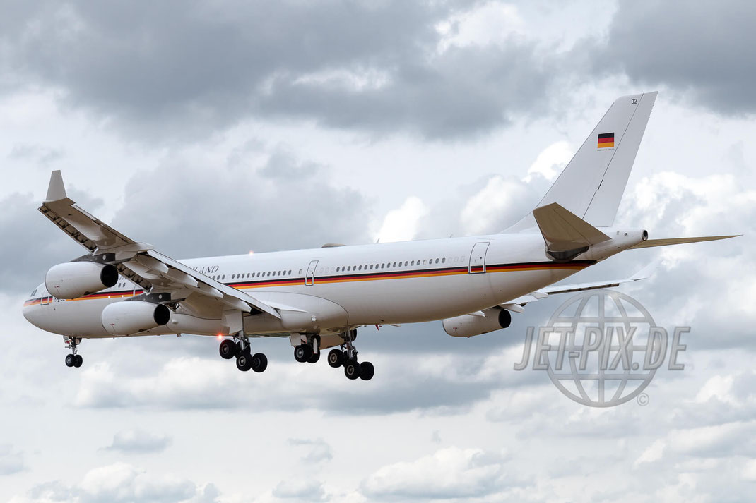 16+02 German Air Force Airbus A340-313 2017 06 29 ETNG Geilenkirchen Pre-Spottertag 35 Years E3A