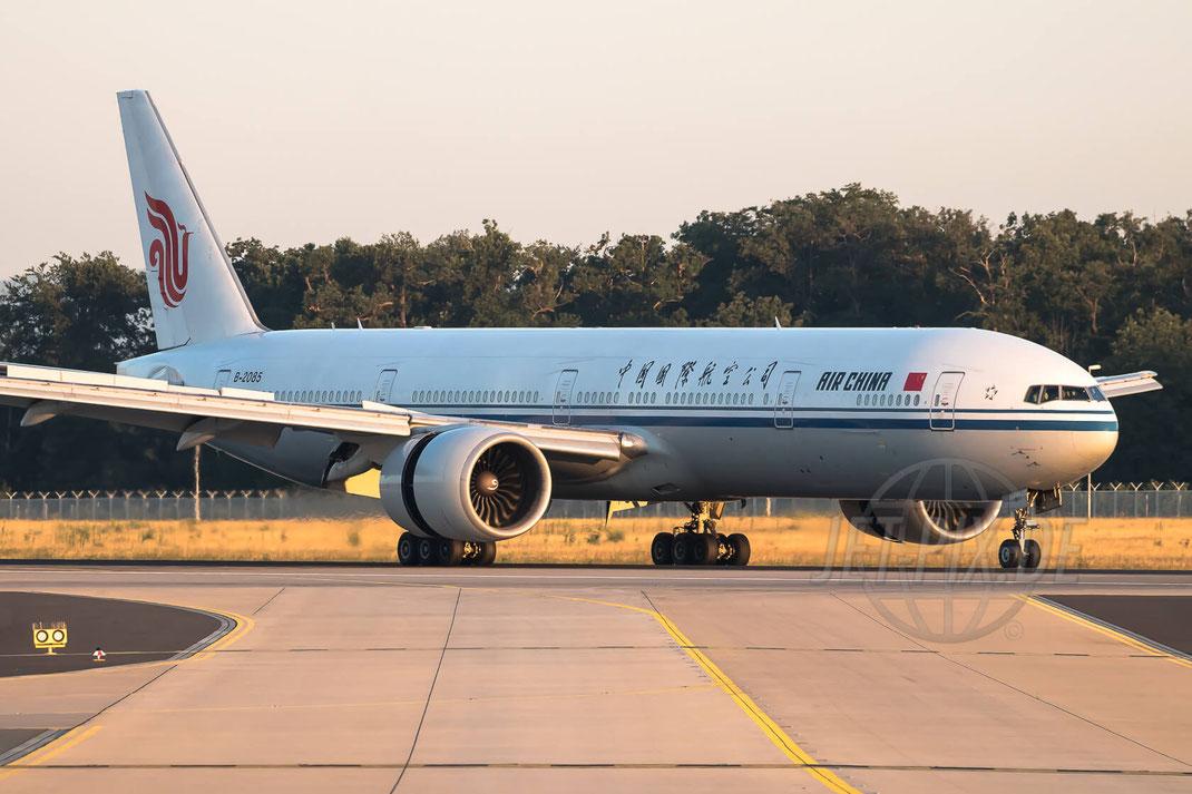 B-2085 Air China Boeing 777-39L(ER) 2017 08 07 EDDF Frankfurt