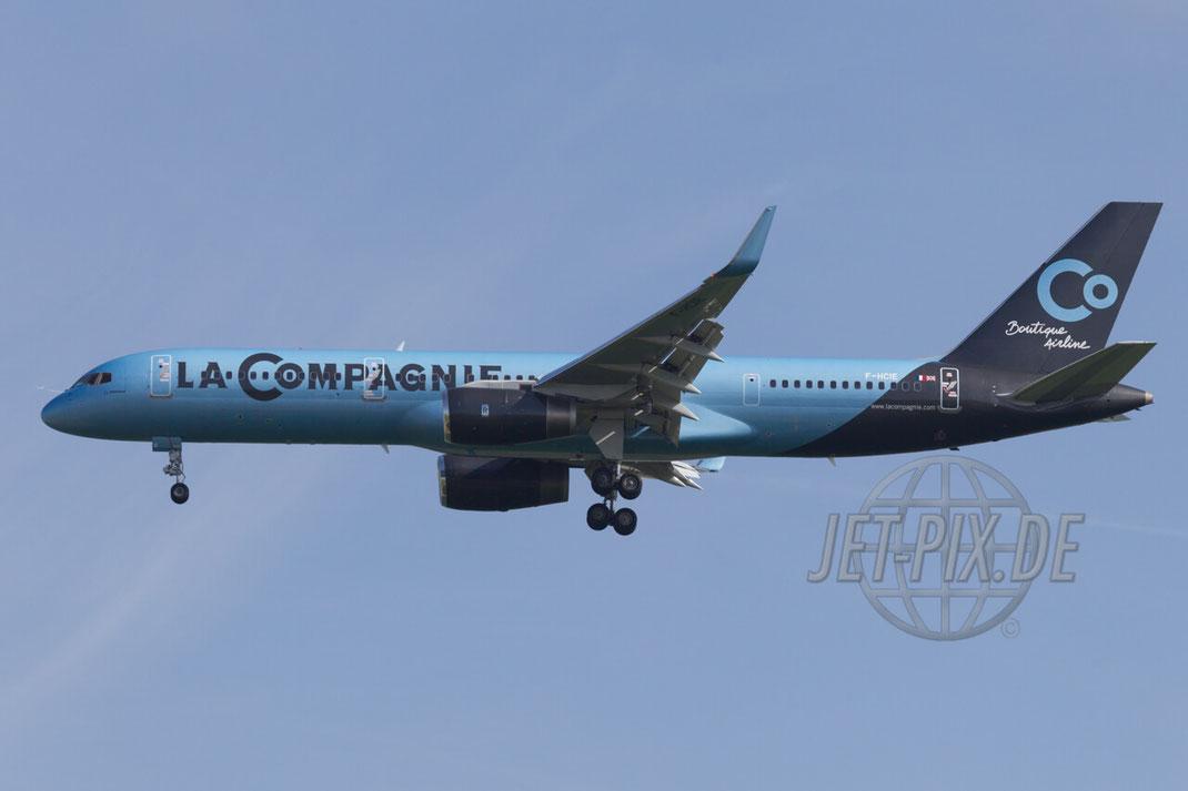 F-HCIE La Compagnie Boeing 757-200 2015 05 17 LFPG Charles de Gaulle Anflug Bestes Wetter Paris Flughafen Airport Parken Nordbahn