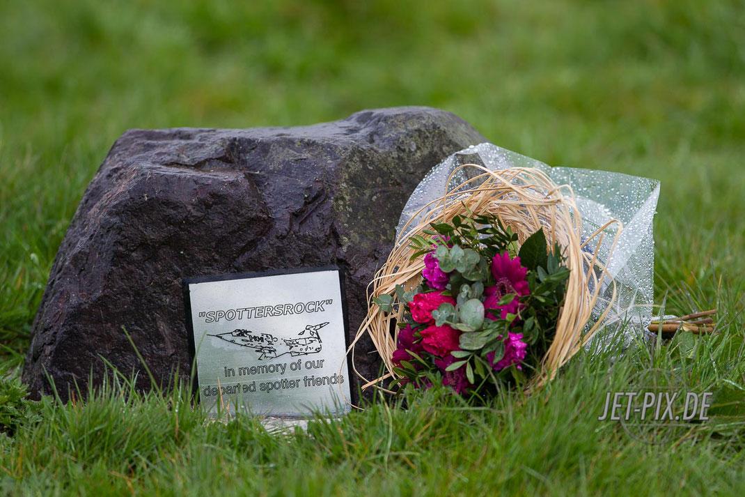 Denkmal Spottersrock, unsere Freunde, wahre Freundschaft