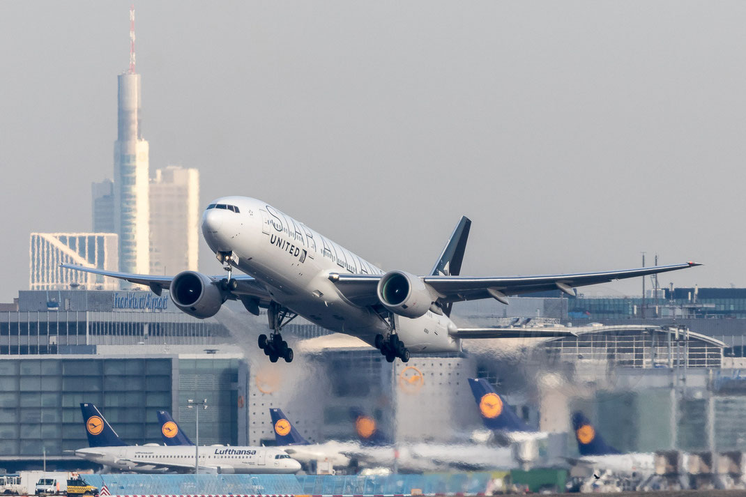 N218UA United Boeing 777 Star Alliance 2018 01 10 EDDF Frankfurt
