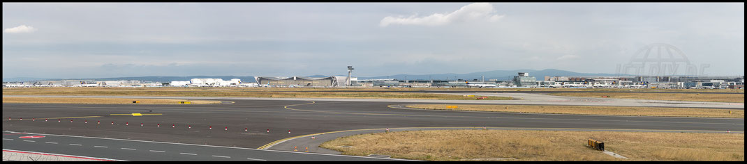 Panorama Airport Frankfurt am Main 2017 06 25 EDDF Frankfurt  Tag der Luftfahrt Vacation Holiday Terminal 1 and 2 New Terminal 3 Spectators Terrace Lufthansa Jet Airplane