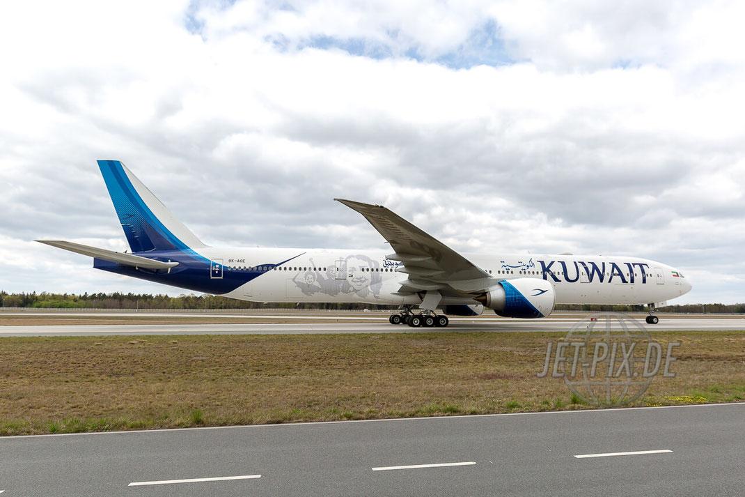 9K-AOE Kuwait Airways Boeing 777-300 Frankfurter Flughafen (EDDF) Landung Nordwestbahn Spotter Spotterguide Spotting