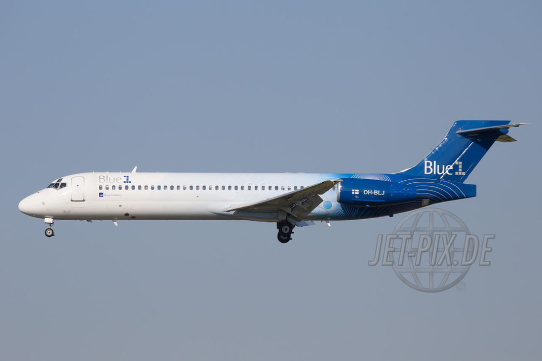 """OH-BLJ Blue1 Boeing """"Pearl Mist"""" 717-200 2015 08 23 EHAM Amsterdam Landung Polderbaan Bestes Wetter Fritten Friture Parken Spotterplaats"""