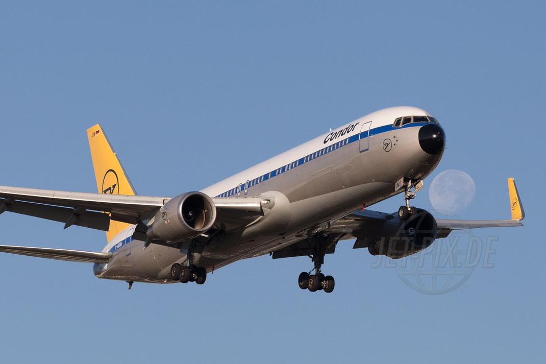 D-ABUM Condor Boeing 767 2015 09 30 EDDF Frankfurt Landung Nordwestbahn Ticona Parkplatz gratis bestes Winterwetter Mond