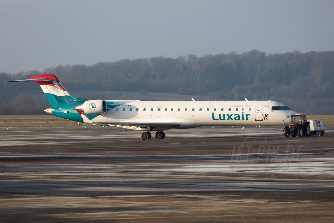 """S5-AAZ Luxair """"on behalf of Adria"""" Canadair CRJ-700 2018 01 14 EDDR Saarbrücken"""