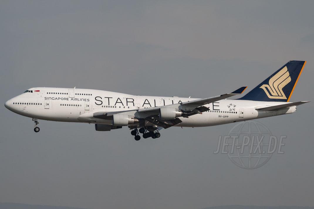 9V-SPP Singapore Airlines Boeing 747-412 2011 04 03 EDDF Frankfurt