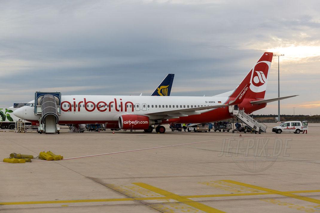 D-ABKN Air Berlin Boeing 737-86J(WL) 2017 10 28 EDDF Frankfurt Tour 747UA End
