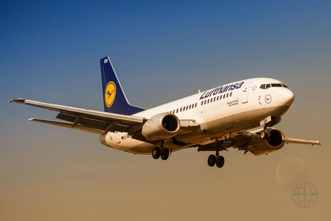 Boeing 737 mit Mond im Hintergrund wunderbar solche Möglichkeiten