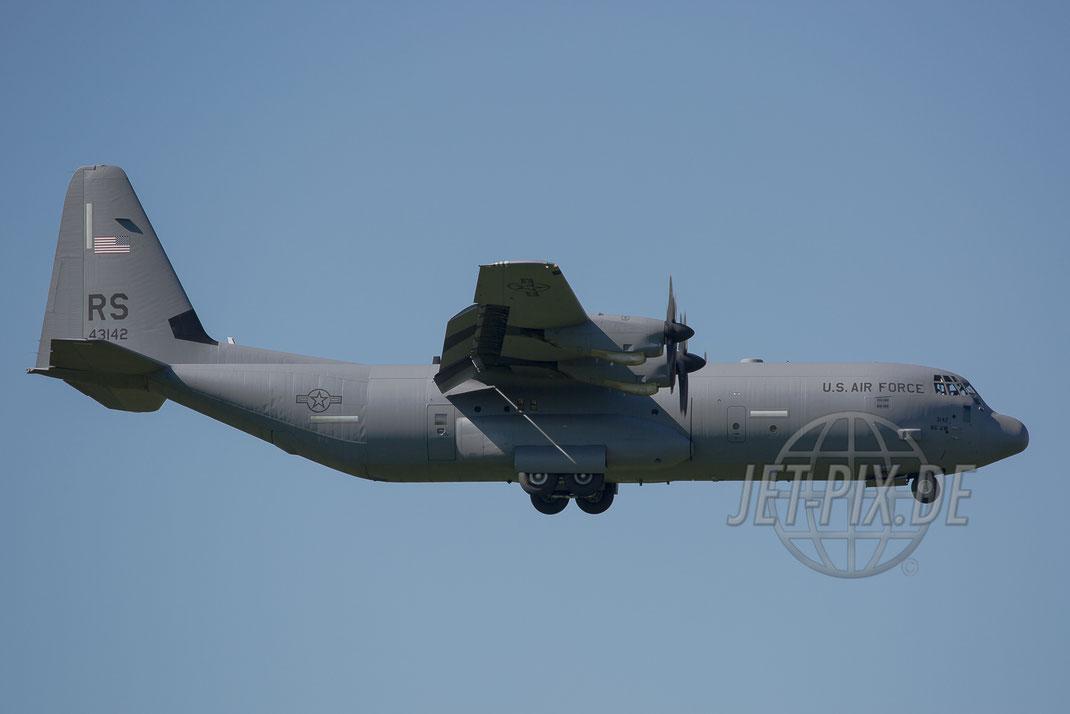 43142/RS Lockheed C-130J USAF 2017 05 26 ETAR Ramstein