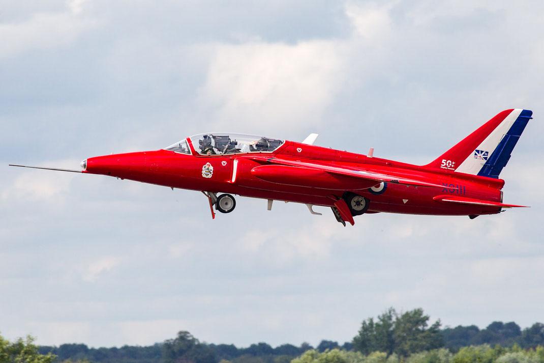 XS111 Gnat (Folland Gnat T.Mk1) 2014 07 03 EGVA Fairford RIAT 2014 Classic Klassiker Display Jet Start waving Pilot