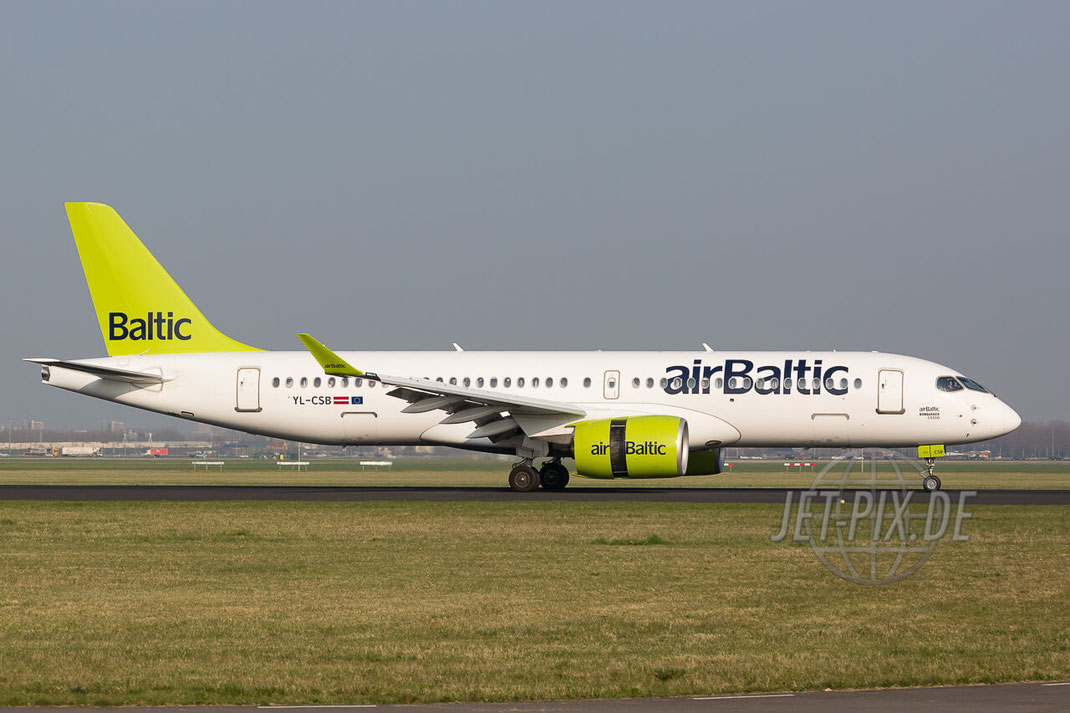 YL-CSB Air Baltic Bombardier CSeries CS300 (BD-500-1A11) Amsterdam (EHAM) Landing Polderbaan JET-PIX.DE Schiphol Jetspotter Planespotting Planespotter bestes Wetter Fritten Krokett Lebensgefühl Niederländer Spaß