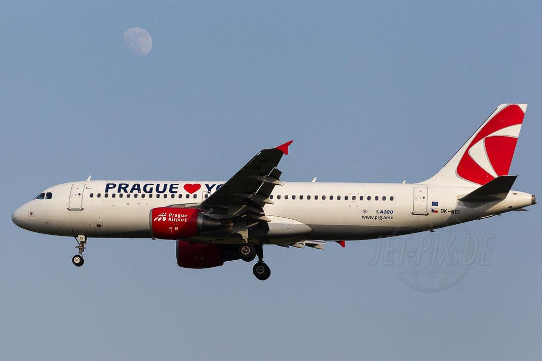 "OK-MEI Czech Airlines CSA ""Prague-Loves-You"" Airbus A320-214 2014 06 09 EDDL Düsseldorf"