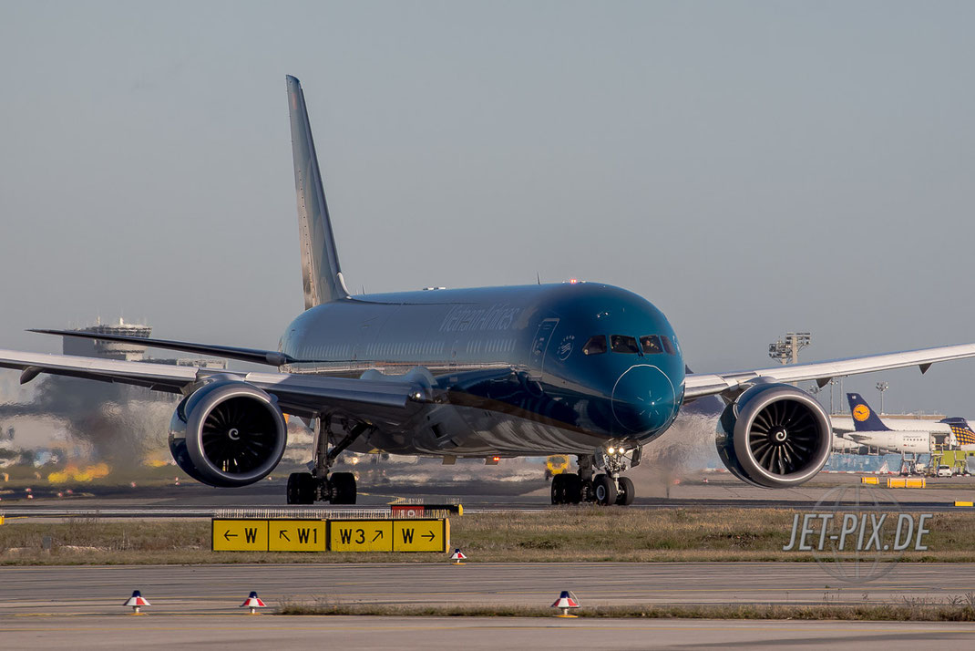 Dreamliner Startbahn West Vietnam Airlines Spotting Start Landung 25 07 18 Start Flugzeug Dreamliner Vietnam Urlaub Holiday