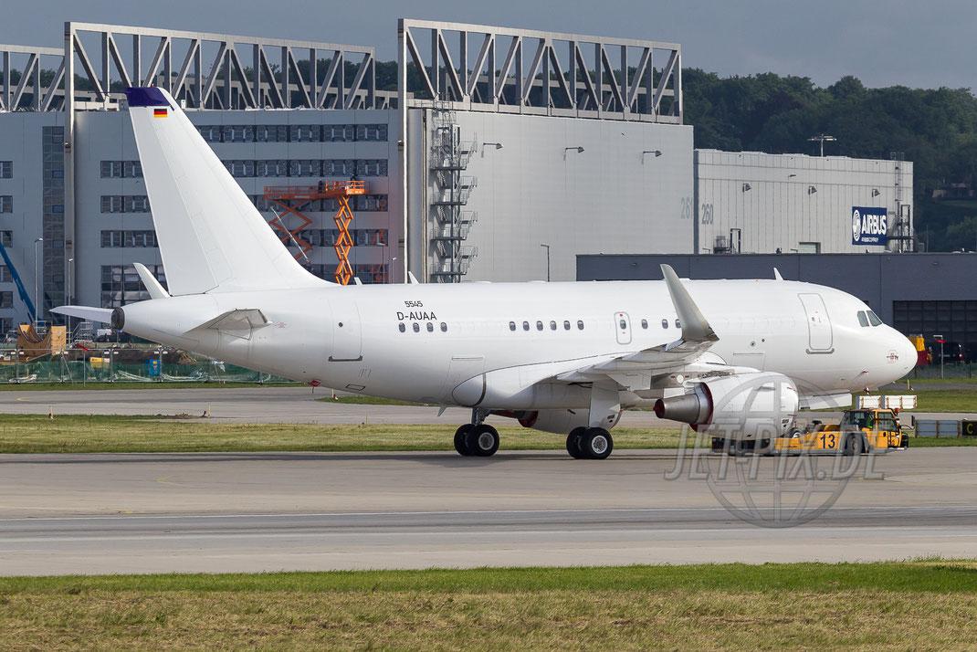 "D-AUAA ""Airbus"" Airbus A318 2013 06 27 EDHI Finkenwerder"